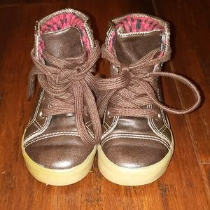 Very gently used toddler boots